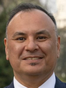 Carlos Olivas III